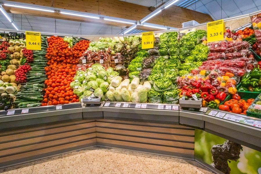 Beleuchtung der Gemüseabteilung